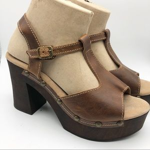 NWOT Sbicca Wedge T Strap Sandal Brown Size 9